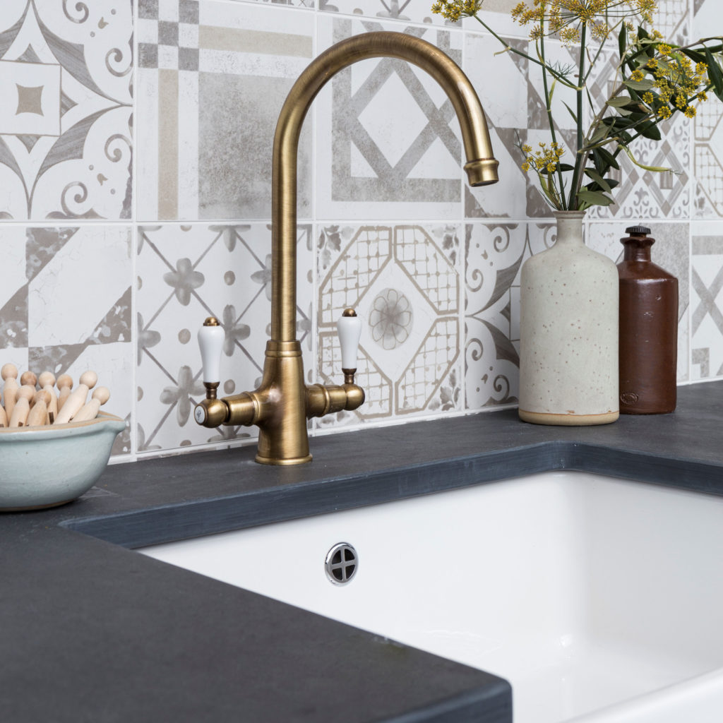 Nero Stone Tile - Swatch
