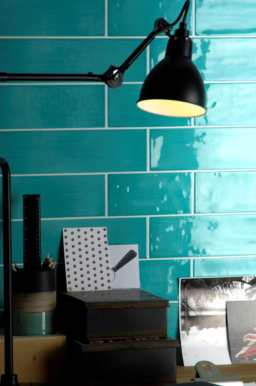 Paintbox Turquoise Gloss Colour Palette In Situ