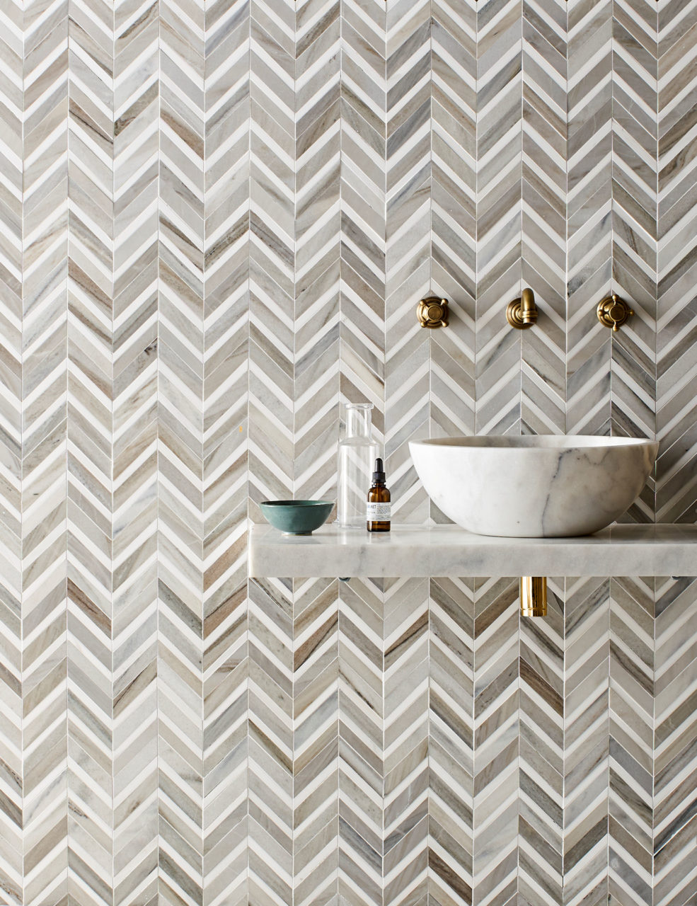 Pyrenees Honed Polished Chevron Mosaic & Calacatta Honed Pluto Basin