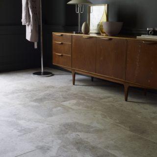 Ecru Tumbled Marble Floor Tiles | Mandarin Stone