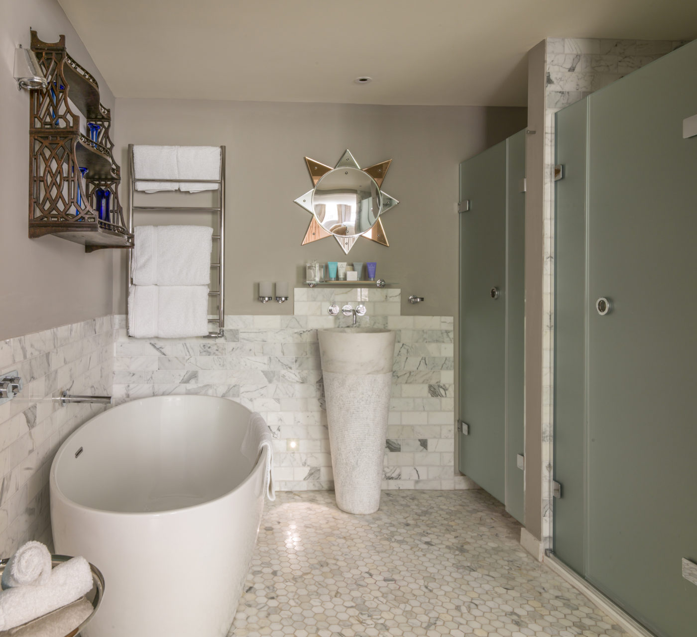 Carrara Honed & Calacatta Honed Splitface Apollo Basin Tiles