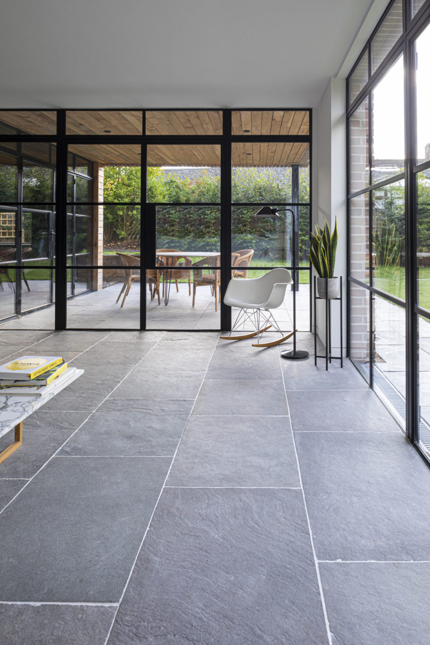 agincourt-grey-tumbled-limestone-floor-tiles-3