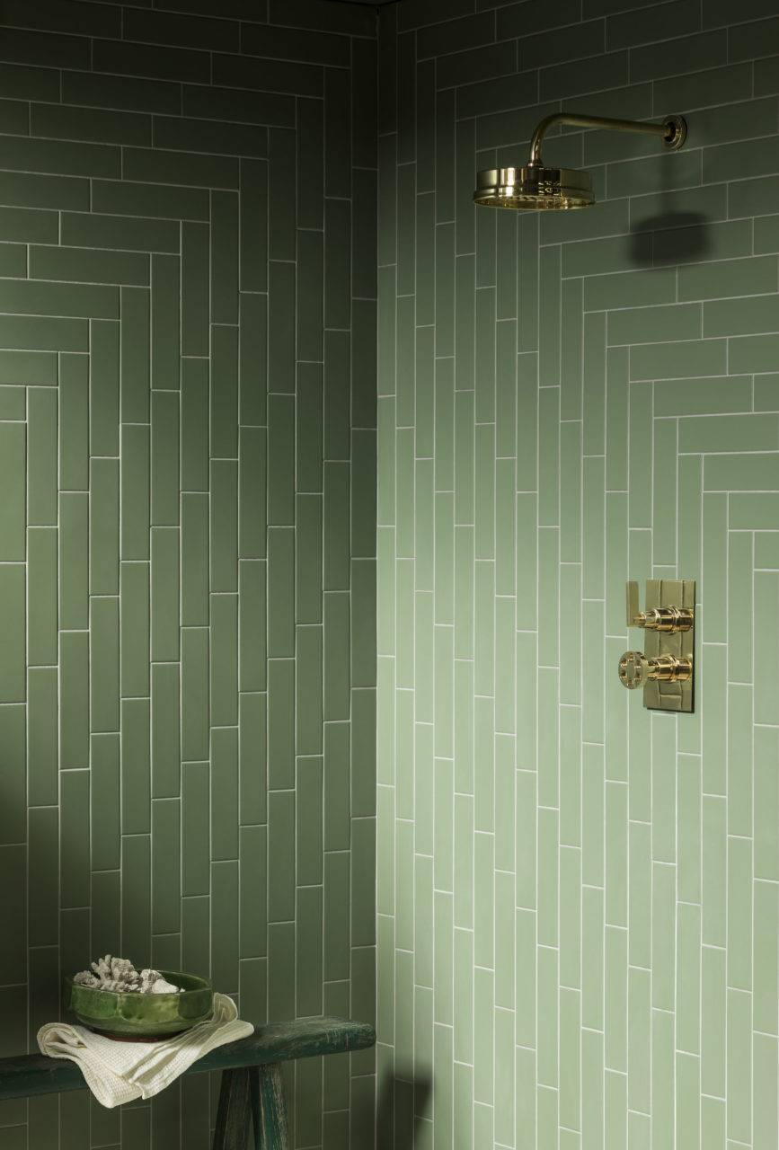 oska-jungle-green-matt-porcelain-tile-with-shower